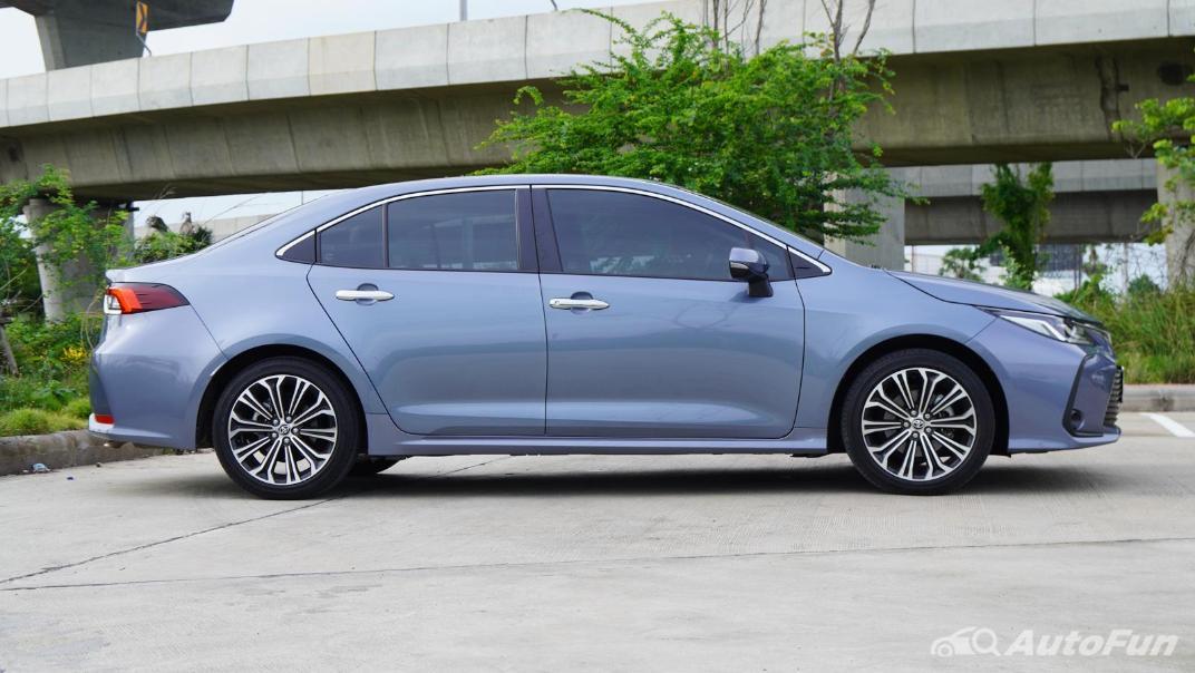 2021 Toyota Corolla Altis 1.8 Sport Exterior 004