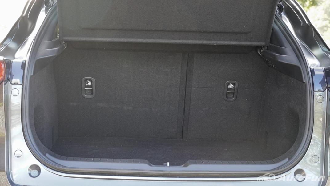 2020 Mazda CX-30 2.0 C Interior 080