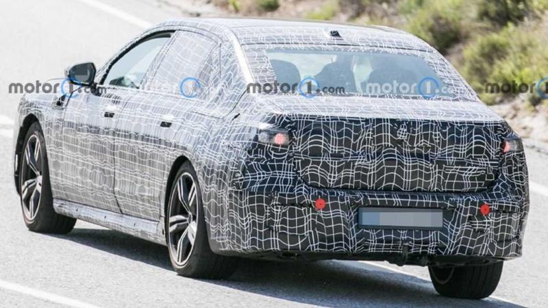 2023 BMW 7-Series หรูขึ้นด้วยเส้นสายเรียบเนี๊ยบ พร้อมท้าชน S-Class/A8 02
