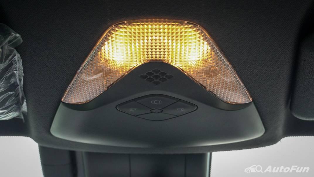 2021 Toyota C-HR Hybrid Premium Safety Interior 072