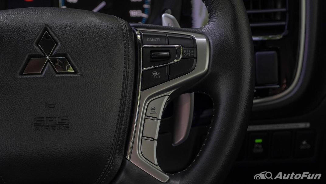 2021 Mitsubishi Outlander PHEV GT-Premium Interior 009