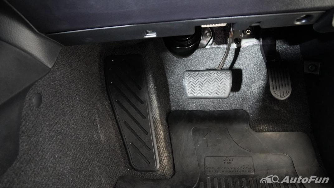 2021 Toyota Hilux Revo Double Cab Z Edition Interior 008