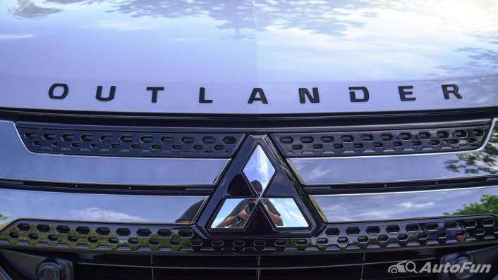 2021 Mitsubishi Outlander PHEV GT-Premium Exterior 008