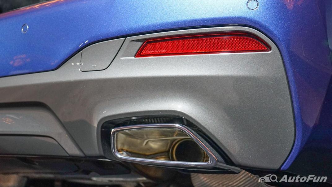 2021 BMW 5 Series Sedan 520d M Sport Exterior 015