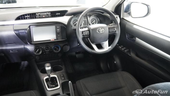 2021 Toyota Hilux Revo Double Cab Z Edition Interior 002