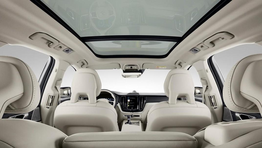 Volvo XC 60 2020 Interior 012
