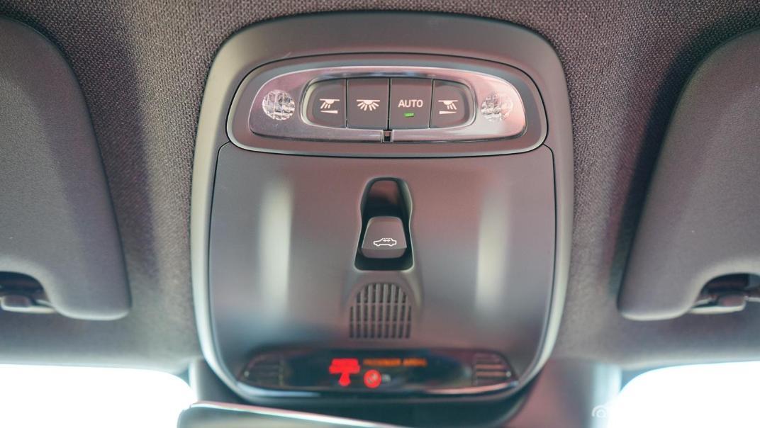 2020 Volvo XC 40 2.0 R-Design Interior 038