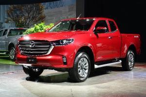2021 Mazda BT-50 หน้าใหม่ แพงกว่าเดิม จะผ่อนต่างกับ Isuzu D-Max เดือนละเท่าไร