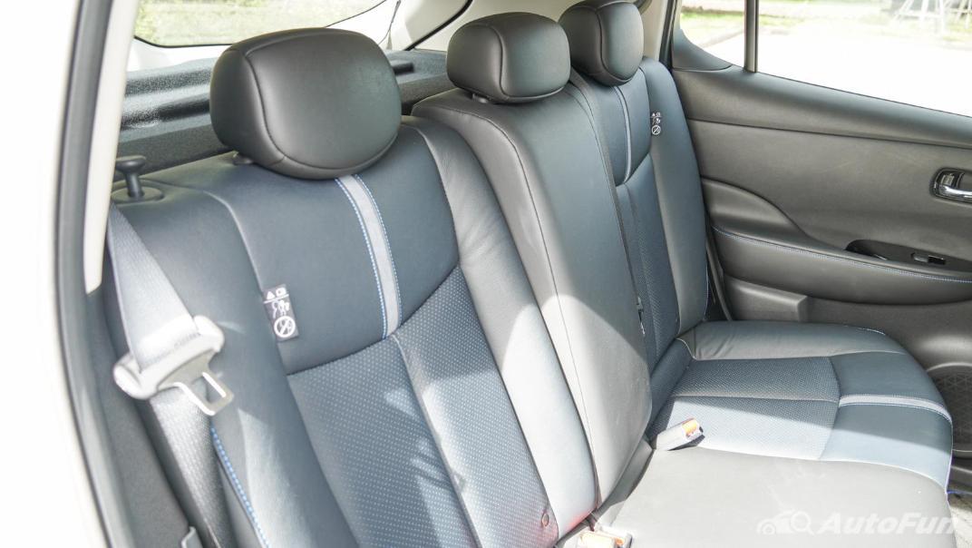 2020 Nissan Leaf Electric Interior 053