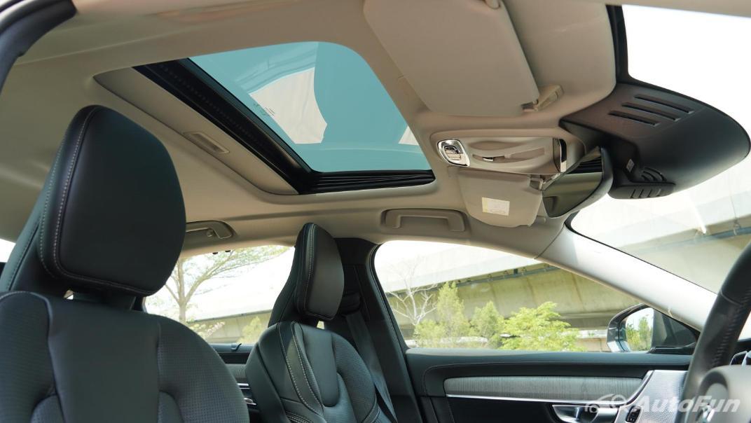 2021 Volvo S90 Recharge Interior 024