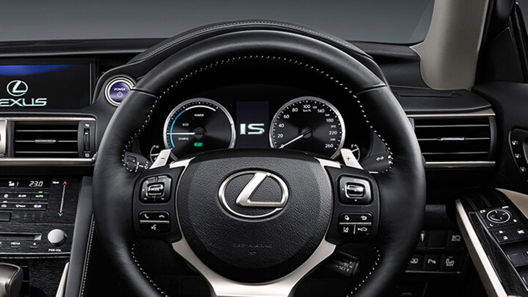 Lexus IS 2020 Interior 004