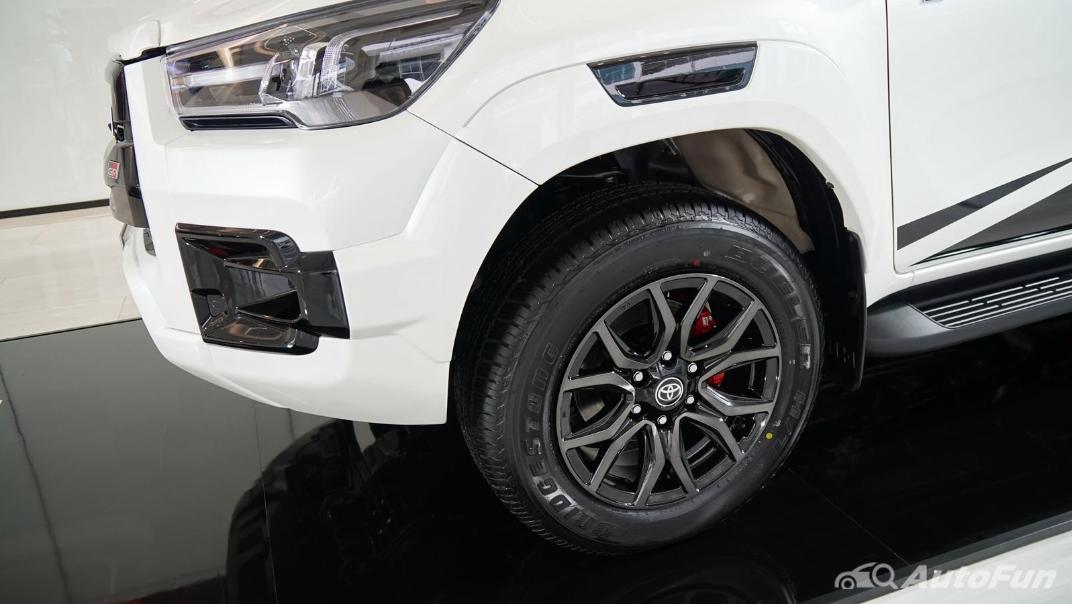 2021 Toyota Hilux Revo Double Cab 4x4 2.8 GR Sport AT Exterior 024