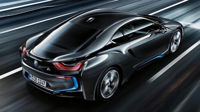 BMW i8 รถสปอร์ตที่มาพร้อมความประหยัดด้วยเทคโนโลยีไฮบริด ด้วยราคาเริ่ม 12.999 ล้านบาท 02