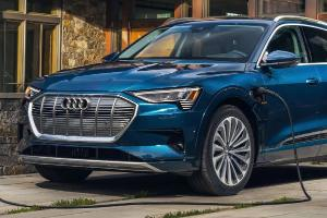 Audi e-Tron รุ่นย่อย Premium ใหม่ ราคาถูกลง 10% ตัดออพชั่นอะไรบ้าง?