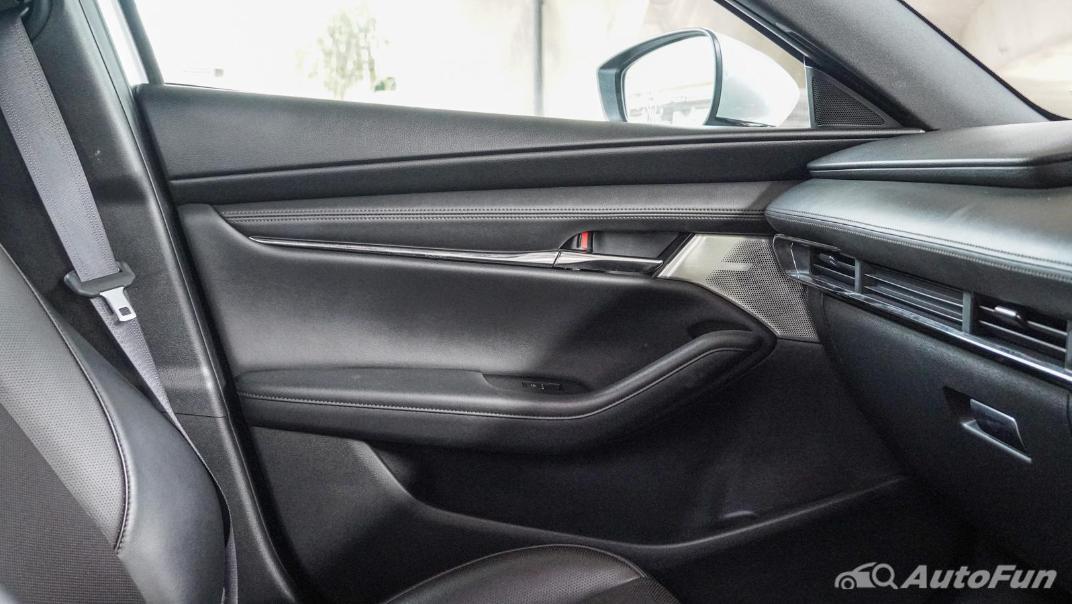2020 Mazda 3 Fastback 2.0 SP Sports Interior 030
