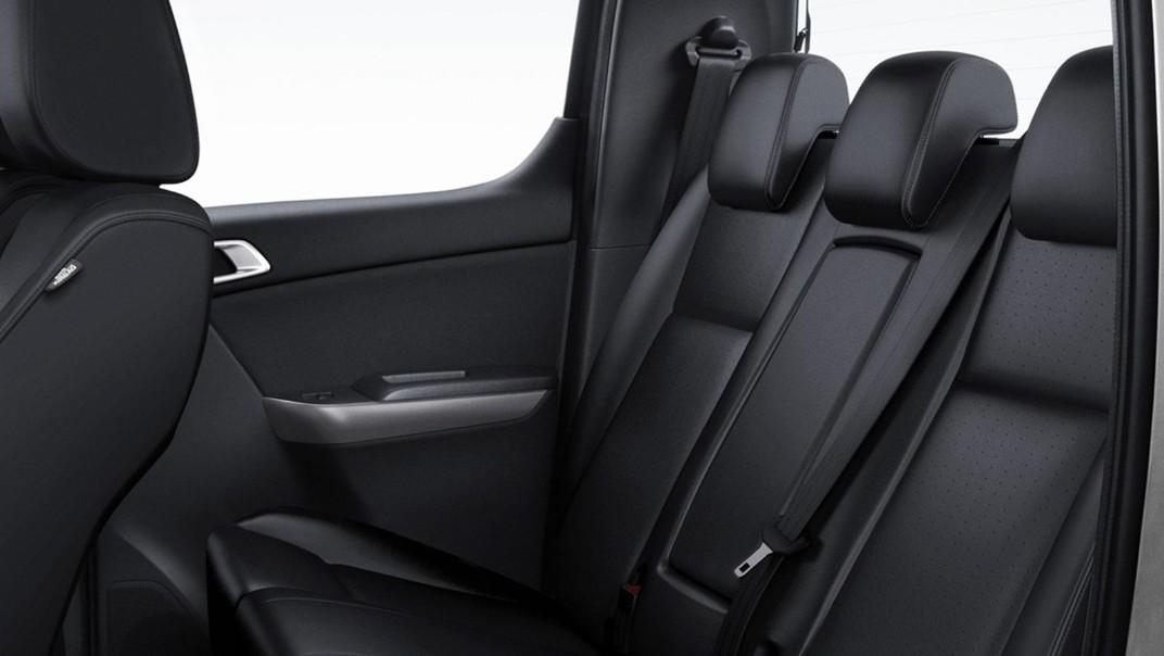 Mazda BT-50 Pro Double Cab 2020 Interior 011