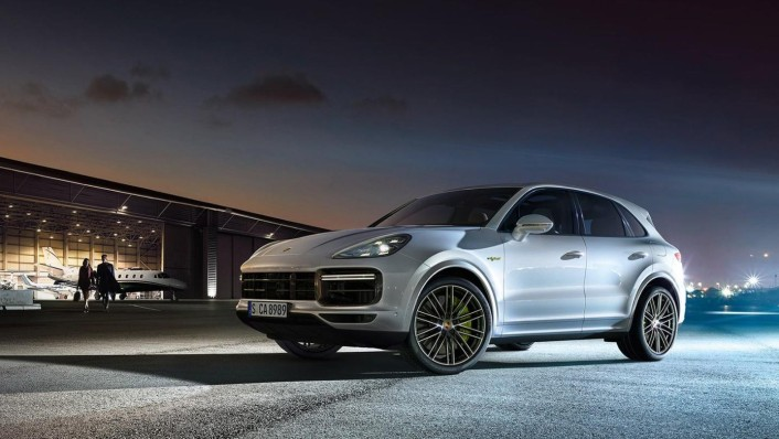 Porsche Cayenne Public 2020 Exterior 001