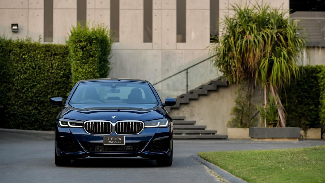 2021 BMW 5 Series Sedan 520d M Sport Exterior 023