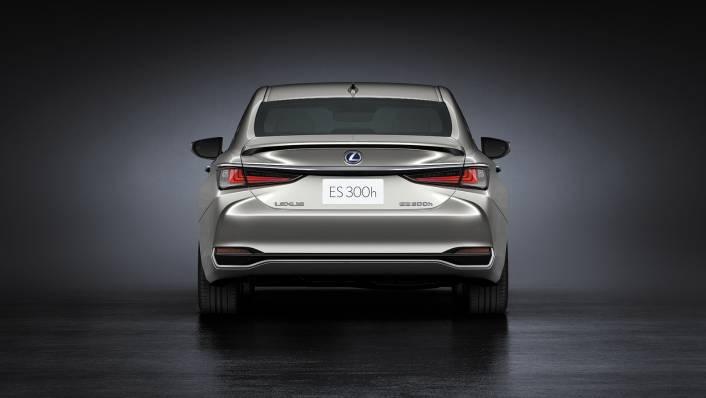 2021 Lexus ES 300h Premium Exterior 002