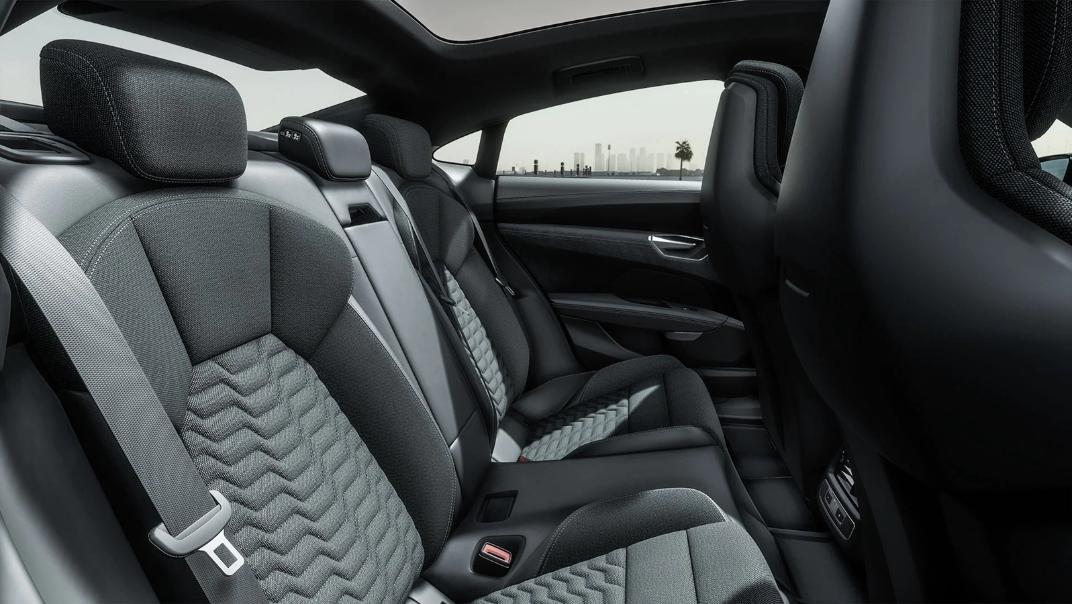 2021 Audi e-tron GT quattro Interior 006
