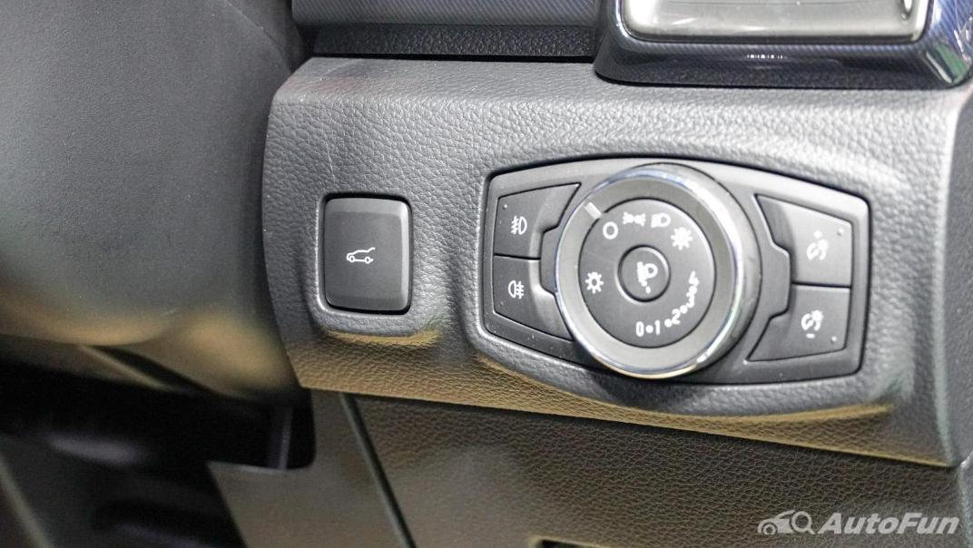 2021 Ford Everest Titanium+ Interior 010