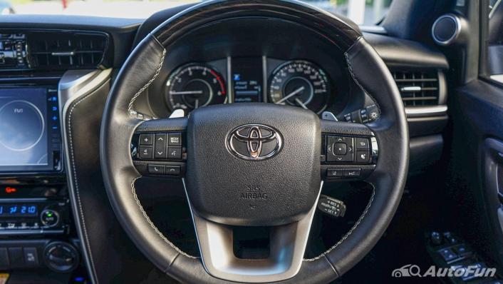 2020 Toyota Fortuner 2.8 Legender 4WD Interior 004