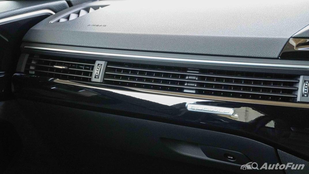 2020 Audi A4 Avant 2.0 45 TFSI Quattro S Line Black Edition Interior 027
