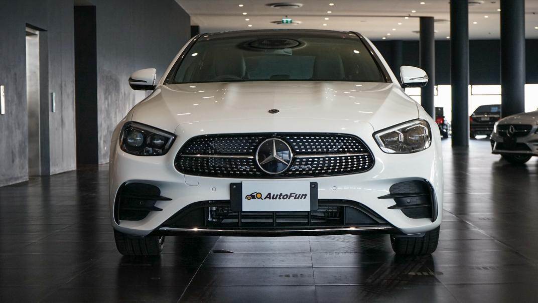 2021 Mercedes-Benz E-Class Saloon E 300 e AMG Dynamic Exterior 002