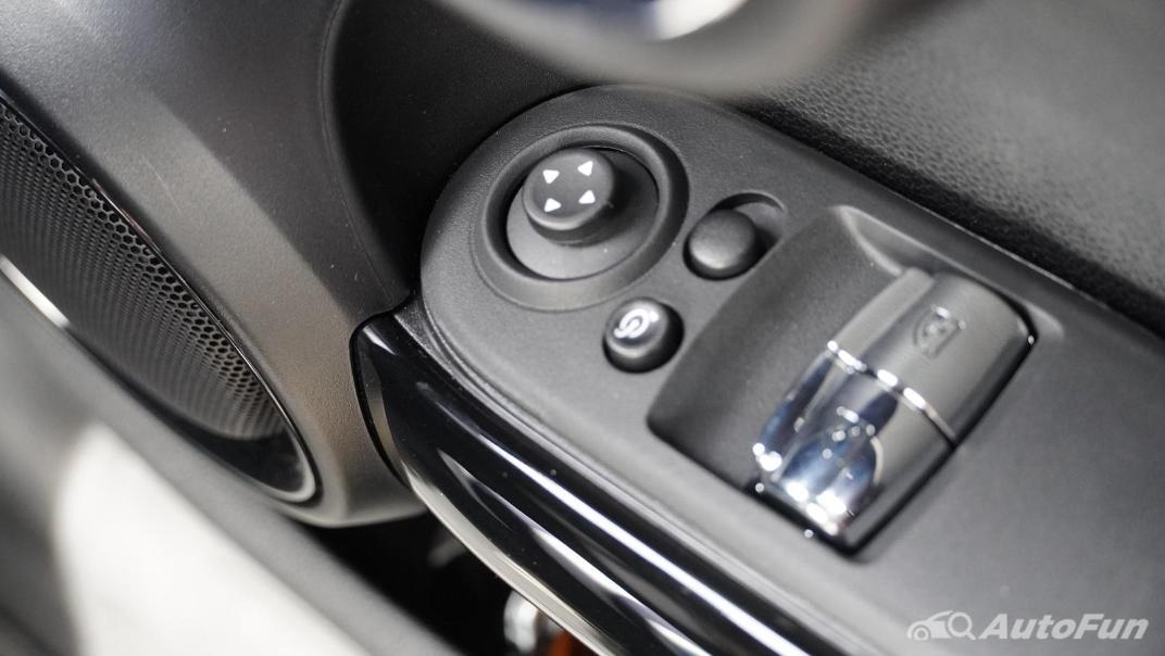 2021 MNI 3-Door Hatch Cooper S Interior 056