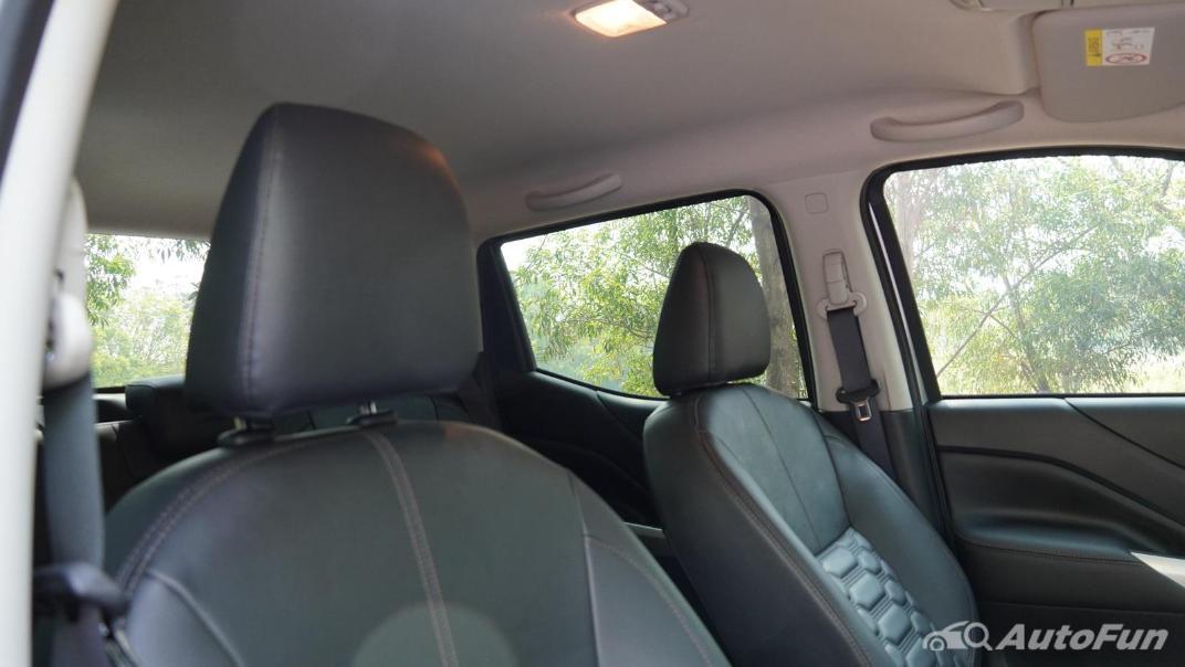 2021 Nissan Navara Double Cab 2.3 4WD VL 7AT Interior 036