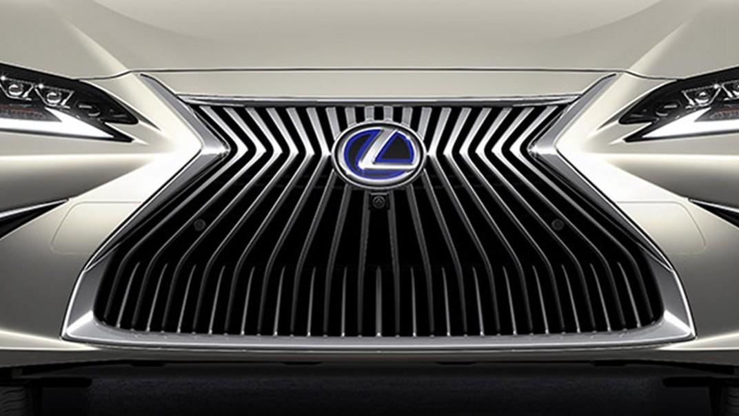 Lexus ES 2020 Exterior 013
