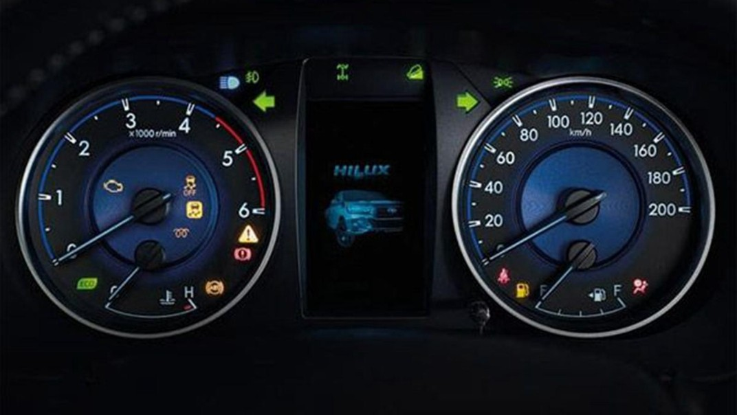 Toyota Hilux Revo Double Cab 2020 Interior 006