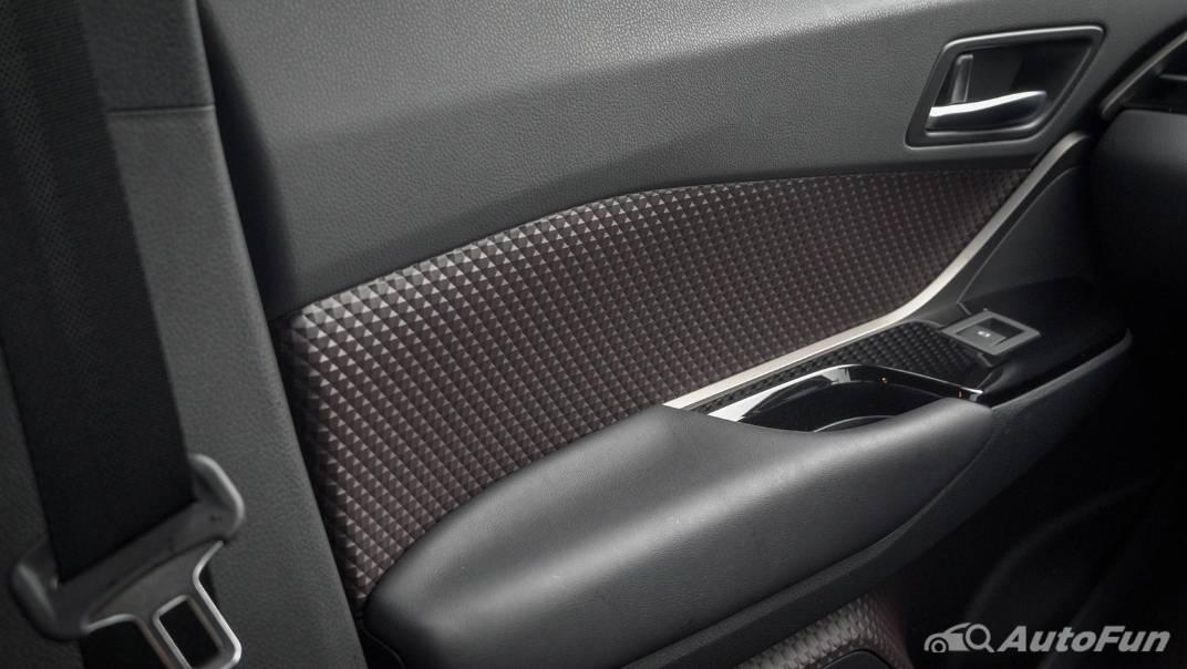 2021 Toyota C-HR Hybrid Premium Safety Interior 027