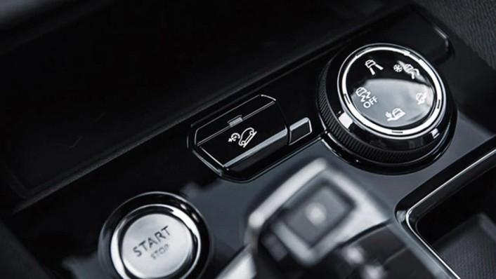 Peugeot 5008 Public 2020 Interior 003