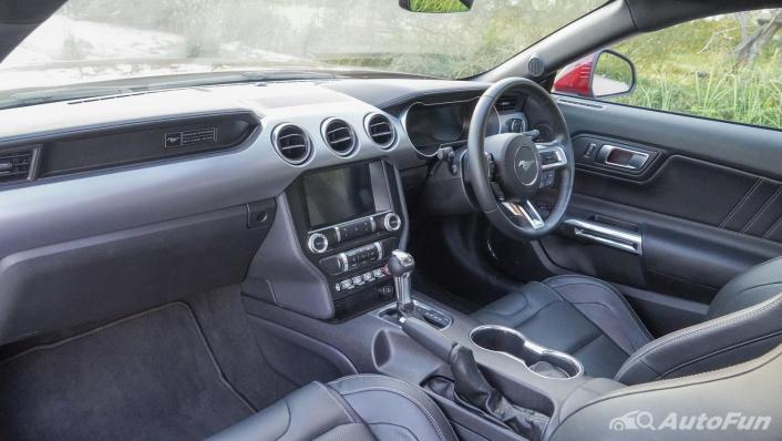 2020 Ford Mustang 2.3L EcoBoost Interior 002