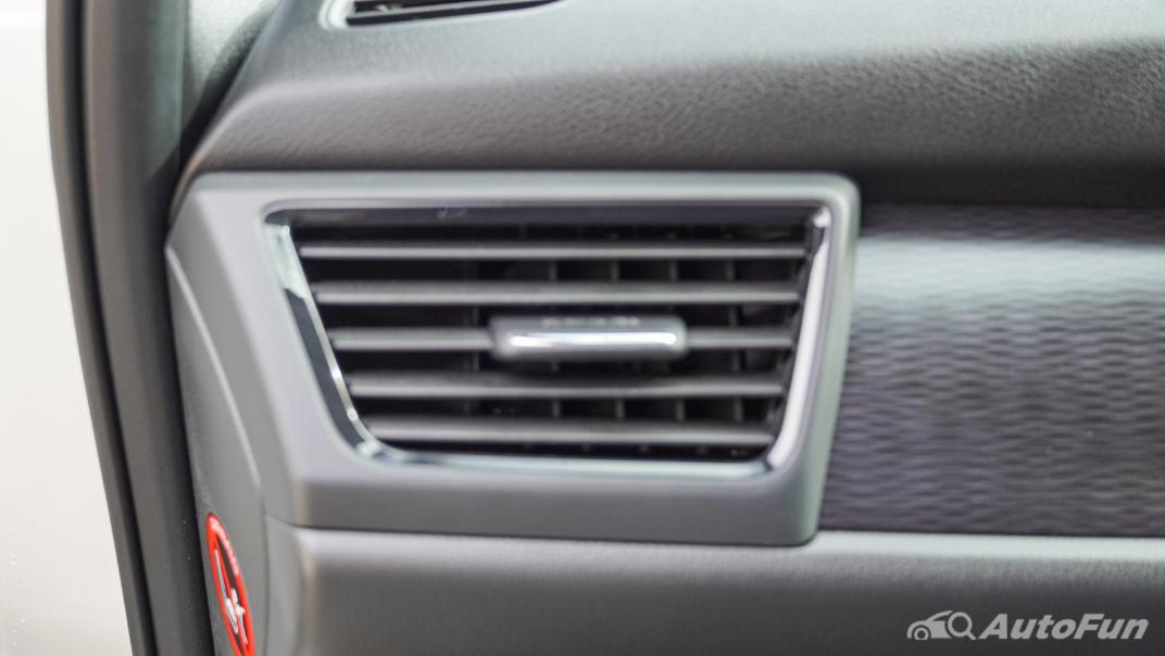 2020 Nissan Leaf Electric Interior 044