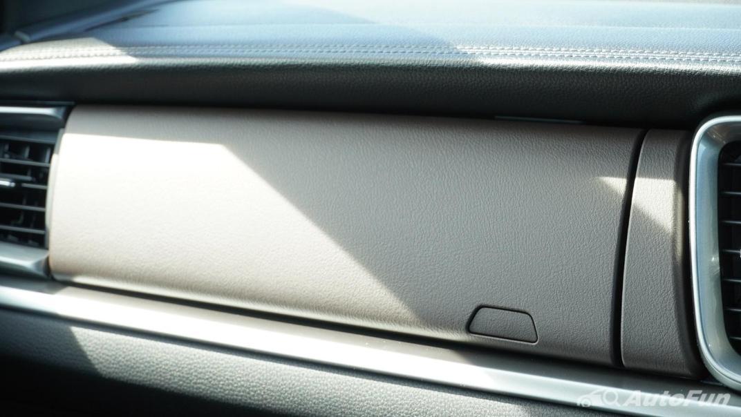 Mazda BT-50 Pro 2021 Interior 008