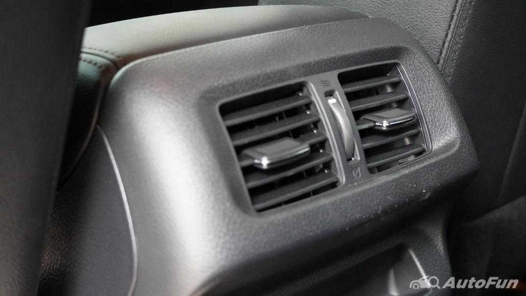 2021 Nissan Navara Double Cab 2.3 4WD VL 7AT Interior 046