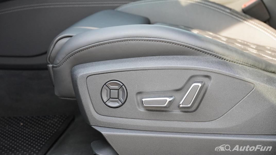 2020 Audi E Tron Sportback 55 quattro S line Interior 049