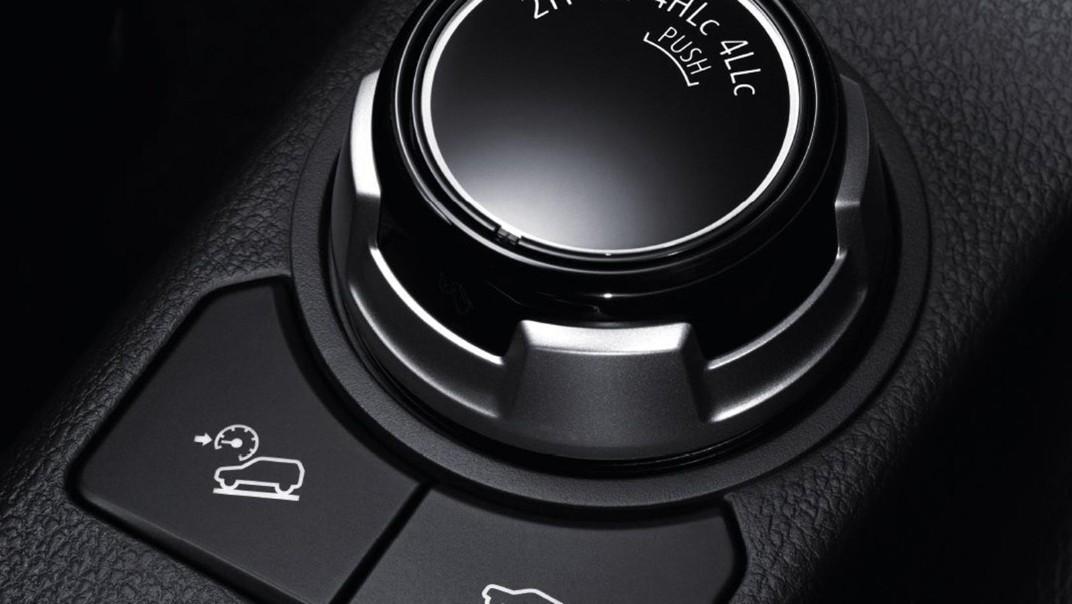 Mitsubishi Triton 2020 Interior 004