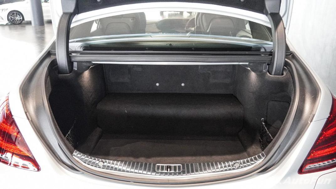 Mercedes-Benz S-Class S 560 e AMG Premium Interior 075