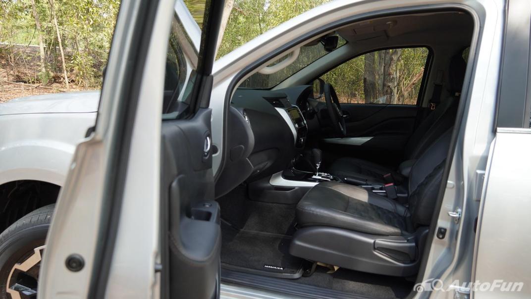 2021 Nissan Navara Double Cab 2.3 4WD VL 7AT Interior 039
