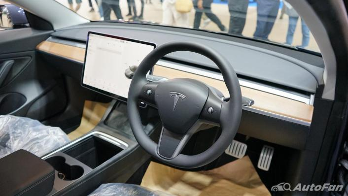 2021 Tesla Model 3 Performance Interior 001