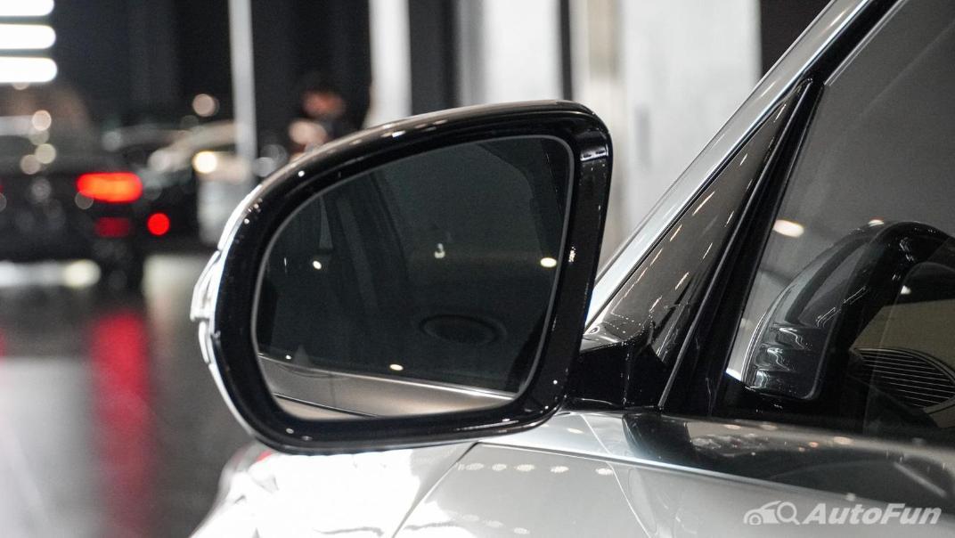 Mercedes-Benz S-Class S 560 e AMG Premium Exterior 027