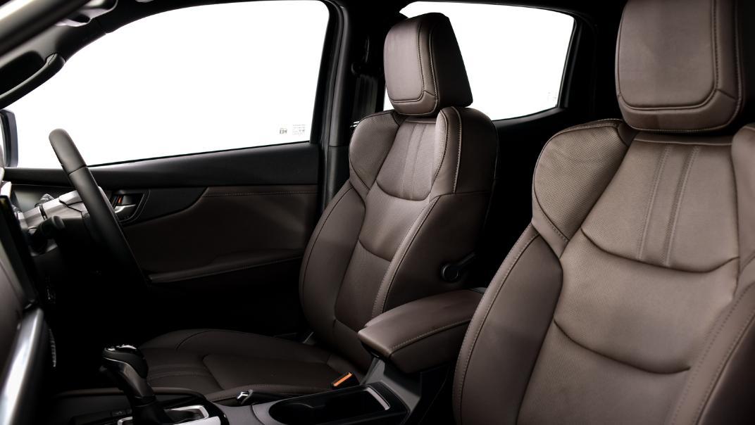 2021 Mazda BT-50 Double cab Upcoming Version Interior 010