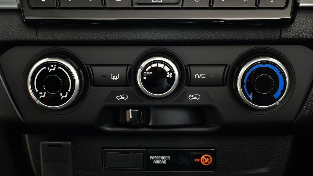 2021 Mazda BT-50 Freestyle cab Upcoming Version Interior 010