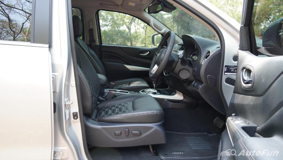 2021 Nissan Navara Double Cab 2.3 4WD VL 7AT Interior 032
