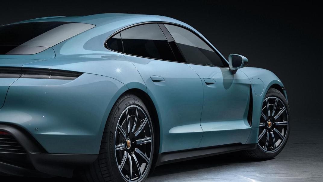 2020 Porsche Taycan Exterior 007