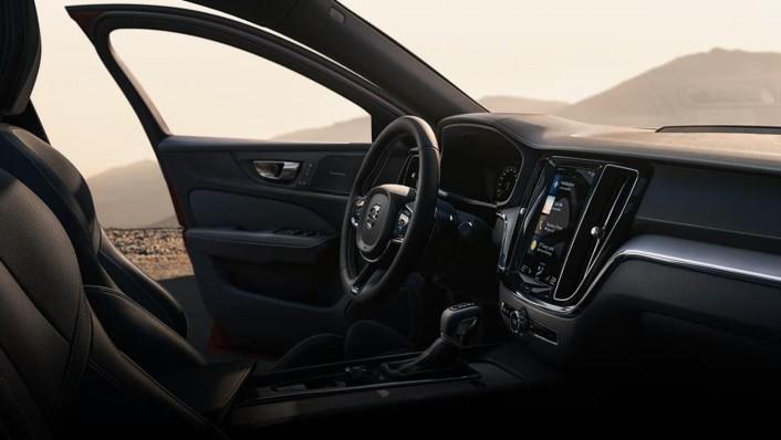 Volvo S60 2020 Interior 003