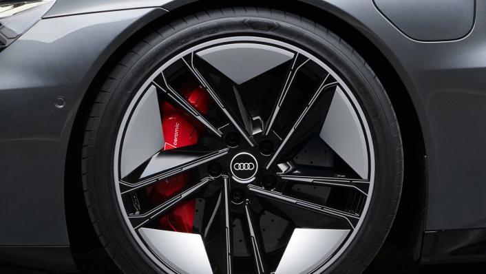 2021 Audi RS e-tron GT quattro Exterior 010